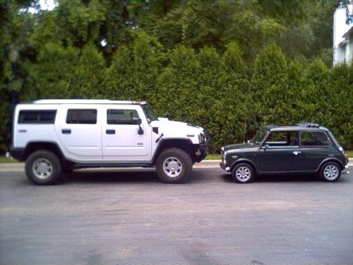 hummer-vs-mini-side-by-side.jpg